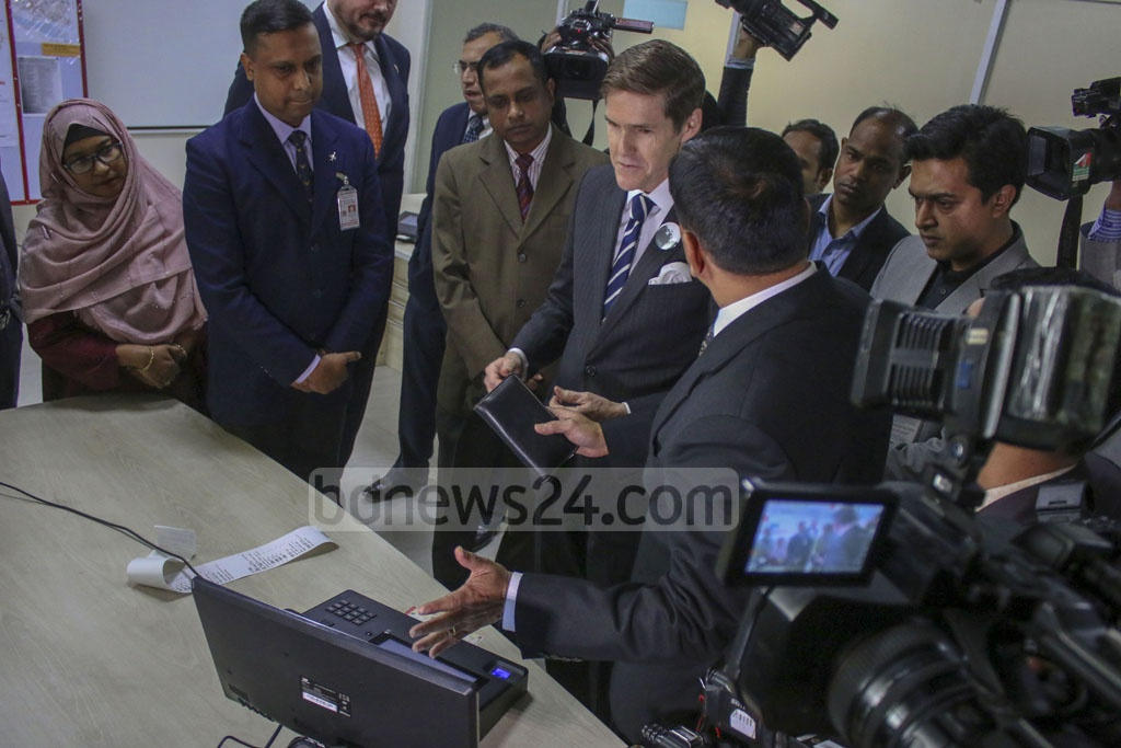 US Ambassador in Dhaka Earl Miller visited the Election Commission headquarters in Agargaon on Monday to inspect the use of Electronic Voting Machine or EVM ahead of city elections on Feb 1.