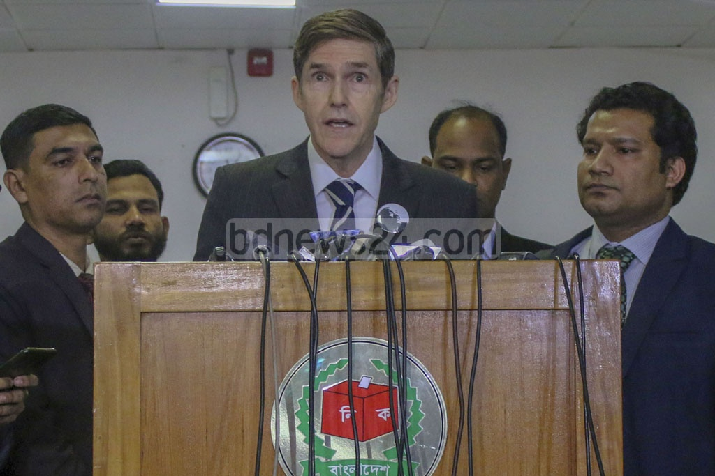 US Ambassador in Dhaka Earl Miller speaking to media at the Election Commission headquarters in Agargaon on Monday after watching the use of Electronic Voting Machine or EVM ahead of city corporations on Feb 1.