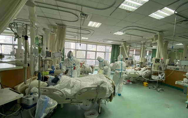 Pictures uploaded to social media on Jan 25, 2020 by the Central Hospital of Wuhan show medical staff attending to patients, in Wuhan, China. REUTERS