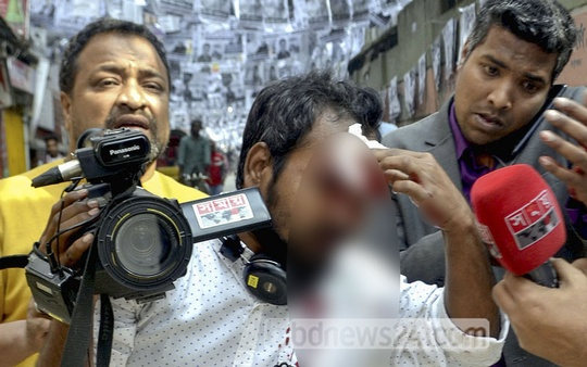 A Somoy TV cameraman was injured while covering a clash between the Awami League and BNP activists in Gopibagh during campaign on Sunday ahead of elections to the two city corporations in Dhaka.