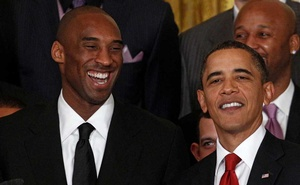 FILE PHOTO: US President Barack Obama shares a laugh with Kobe Bryant during a ceremony honoring the 2009 NBA basketball champions Los Angeles Lakers in the East Room at the White House in Washington, January 25, 2010. Reuters