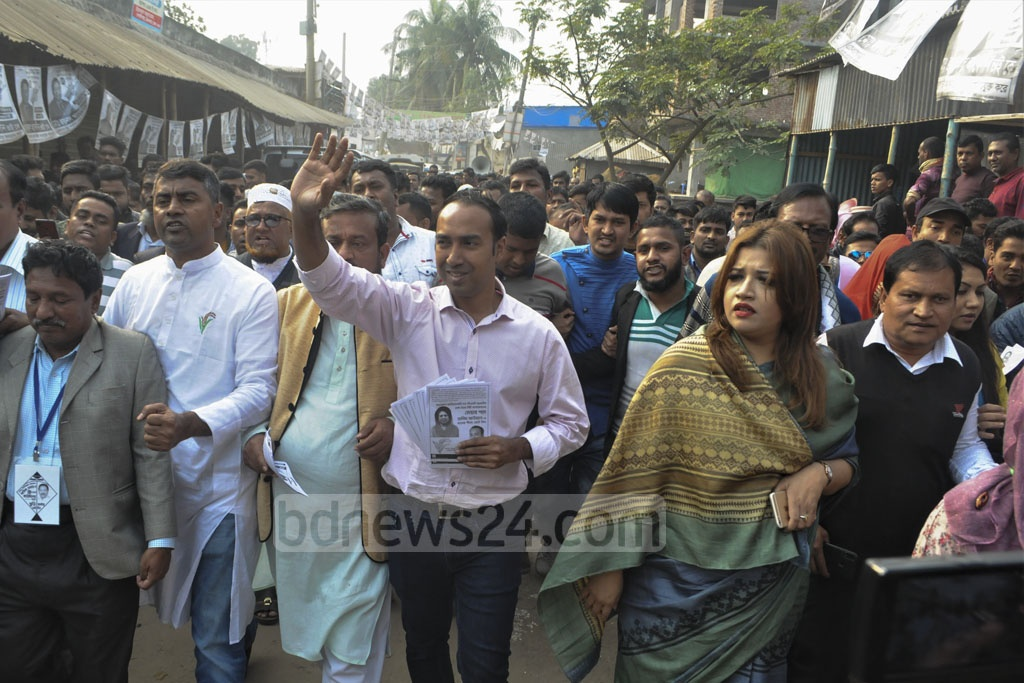 Tabith Awal, the BNP-backed mayoral candidate for Dhaka North, campaigning in Dhaka's Uttarkhan on Monday.