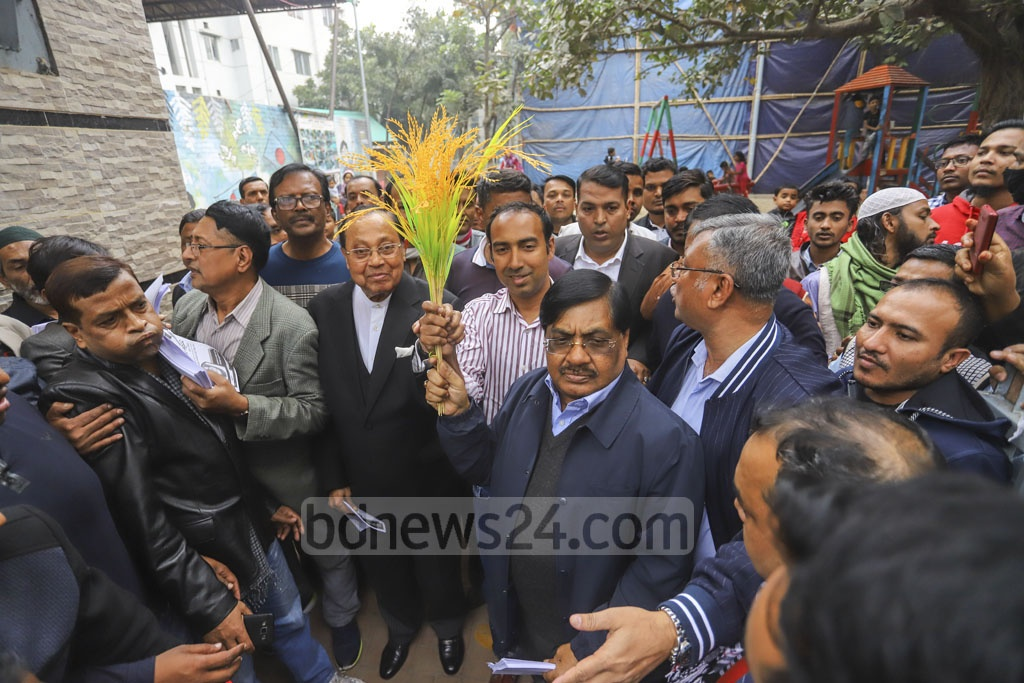 Senior BNP leader Moudud Ahmed joined the campaign of their Dhaka North mayoral candidate Tabith Awal in Moghbazar on Wednesday.