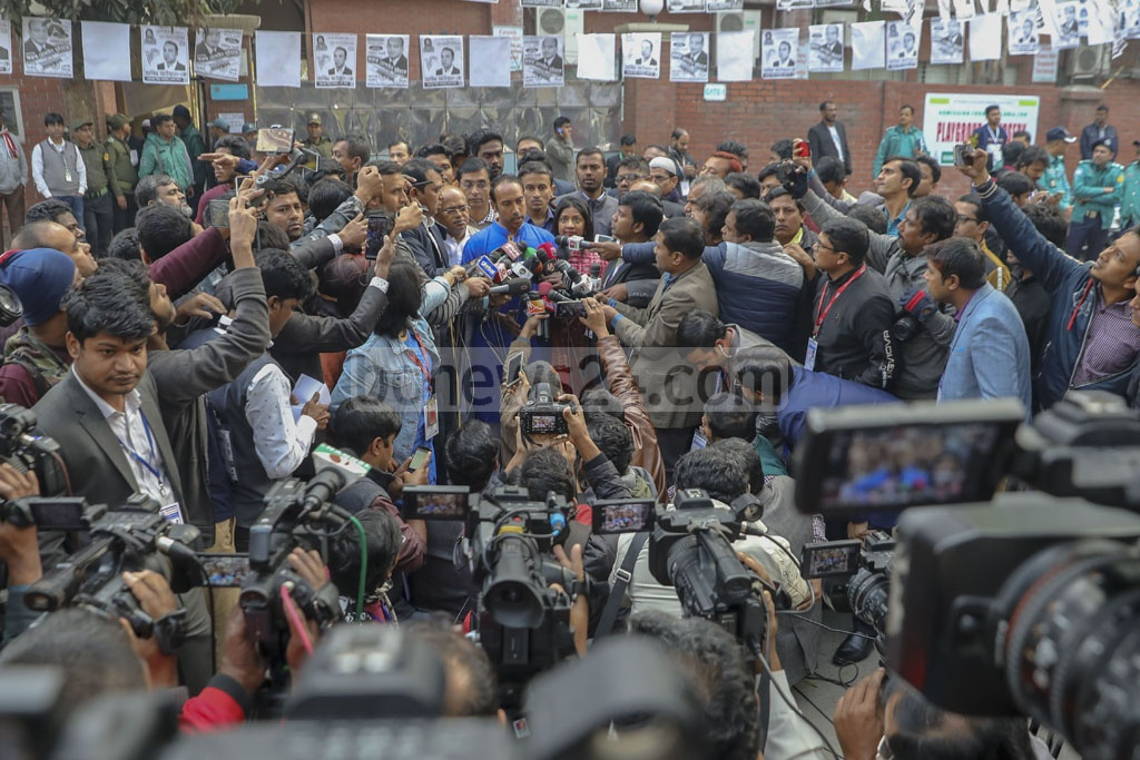 Tabith Awal, the BNP-endorsed mayoral candidate for Dhaka North, spoke to media after casting his vote at the Manarat International School and College centre in Gulshan on Saturday. Photo: Mostafigur Rahman