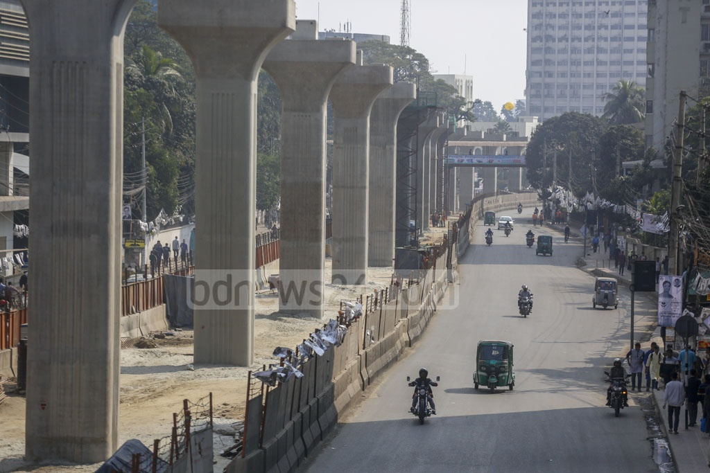 Although, the situation was normal in Dhaka amid a day-long strike called by BNP, no crowd was found on the streets on Sunday after a two-day vacation. Photo: Mahmud Zaman Ovi