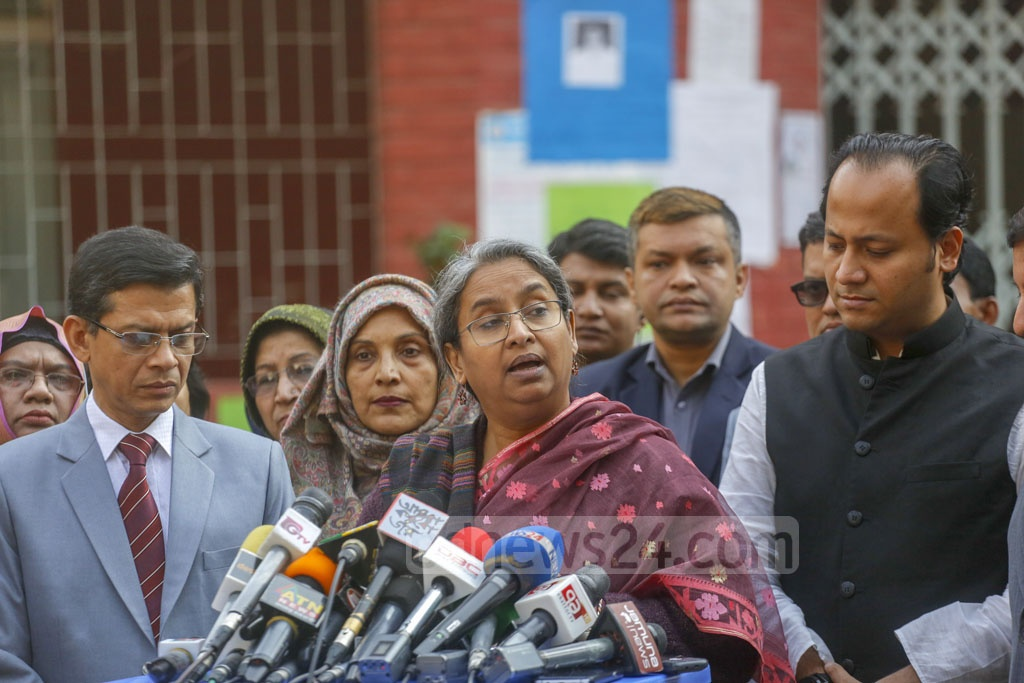 Education Minister Dipu Moni addressing the media after visit an SSC exam centre at Tejgaon Government Girl's High School in Dhaka on Monday. Photo: Mahmud Zaman Ovi