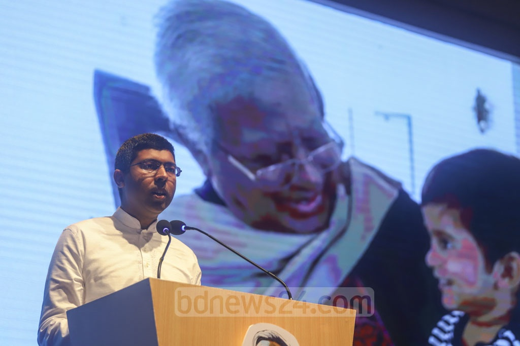 Sir Fazle Hasan Abed's son Shameran Abed speaking at a commemoration for the BRAC founder in Dhaka on Tuesday.