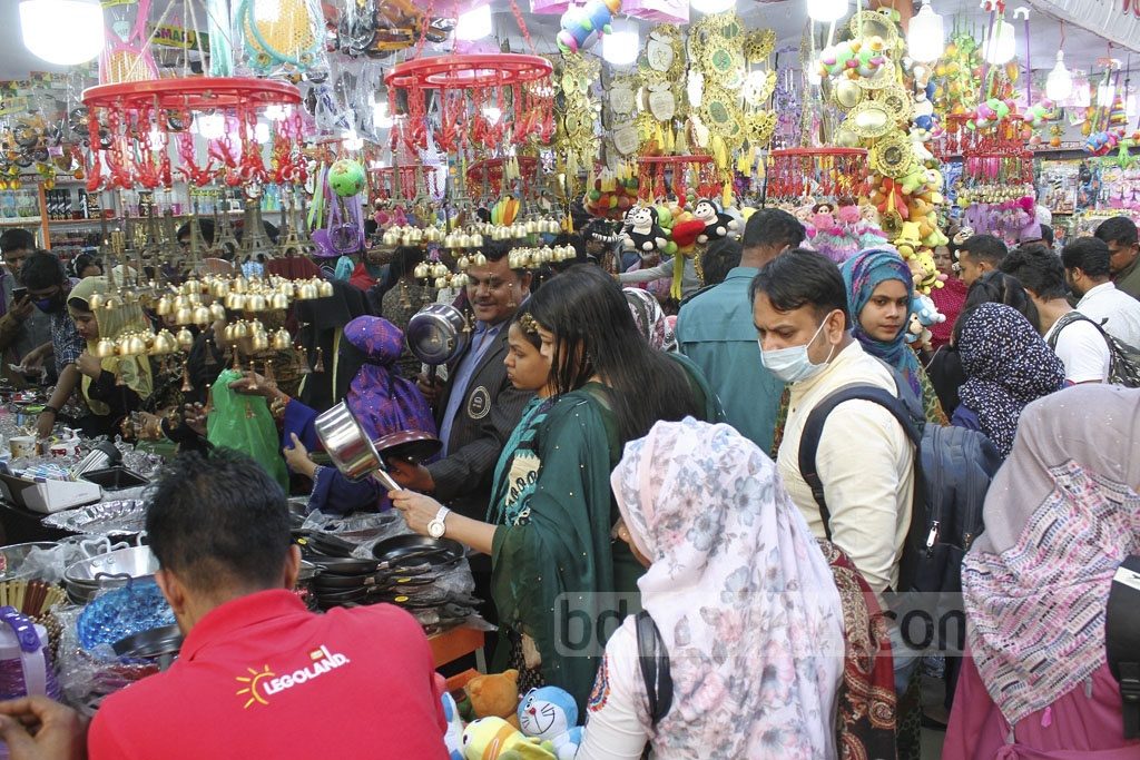 Visitors overcrowded the Dhaka International Trade Fair 2020 on its closing day on Thursday.