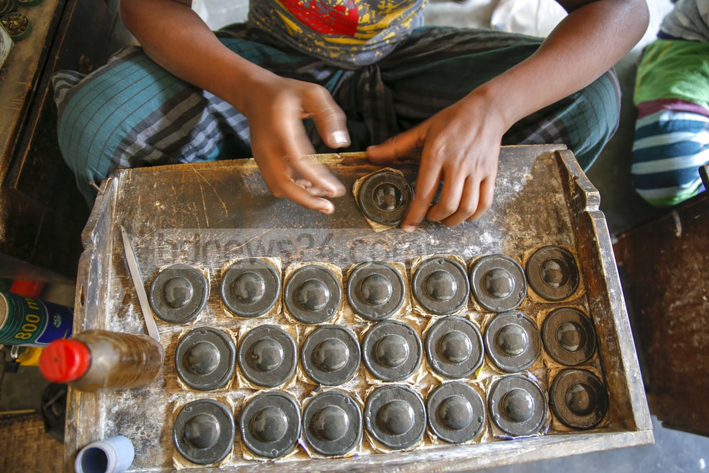 Residents of Savar's Bhakurta say they have been crafting jewellery for the past 150 years. Photo: Mahmud Zaman Ovi