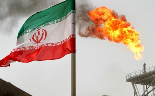 US President Donald Trump unilaterally reimposed sanctions on Iran's petroleum exports in 2018 after withdrawing the US from the 2015 Iran nuclear deal between Tehran and six world powers [File: Raheb Homavandi/Reuters]