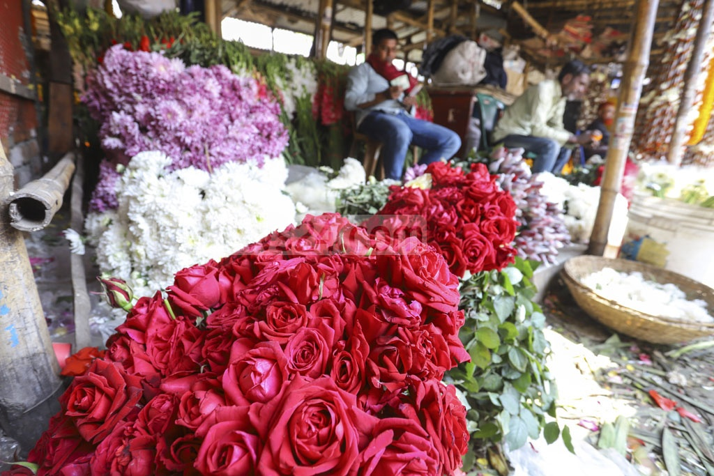 A variety of flowers enliven the Agargaon wholesale market in Dhaka ahead of Pahela Falgun and Valentine's Day. Photo: Asif Mahmud Ove