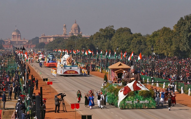 A tableau from Jammu and Kashmir is displayed during the full dress rehearsal for the Republic Day parade in New Delhi, India, Jan 23, 2020. REUTERS