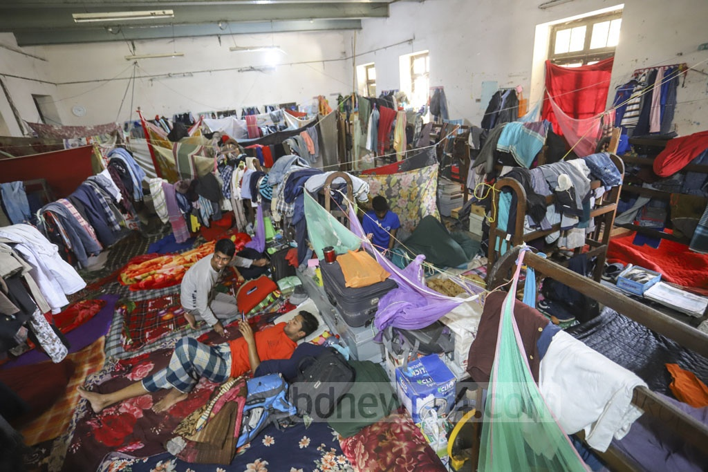 Students cram inside the common living space in Dhaka University's SM Hall. Photo: Asif Mahmud Ove