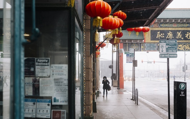 A person walks in Chicago's Chinatown neighbourhood, on Feb. 12, 2020. Though there are only a few known cases in the US, the coronavirus outbreak has left some Asian-Americans feeling an unsettling level of public scrutiny. (David Kasnic/The New York Times)