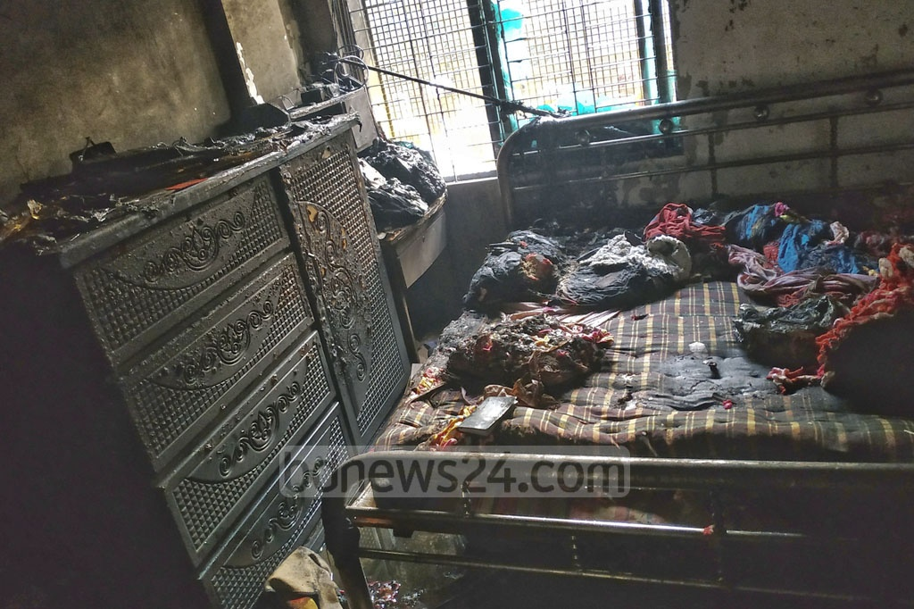 Eight people were burnt in a gas cylinder explosion at a home in Narayanganj Sadar Upazila on Monday. One of the victims later died in the afternoon.