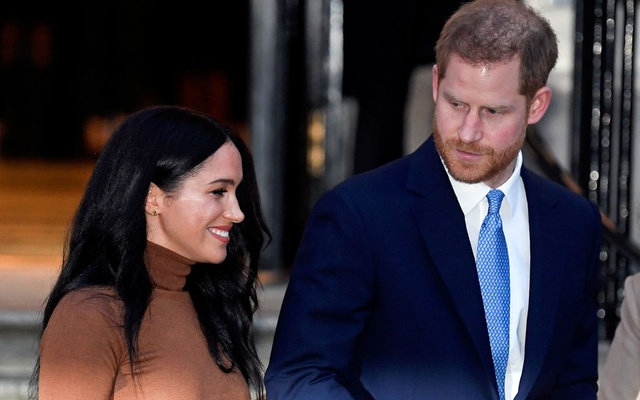 Britain's Prince Harry and his wife Meghan, Duchess of Sussex, leave Canada House in London, Britain Jan 7, 2020. REUTERS