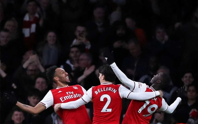 Aubameyang goals give Arsenal 3-2 win over Everton
