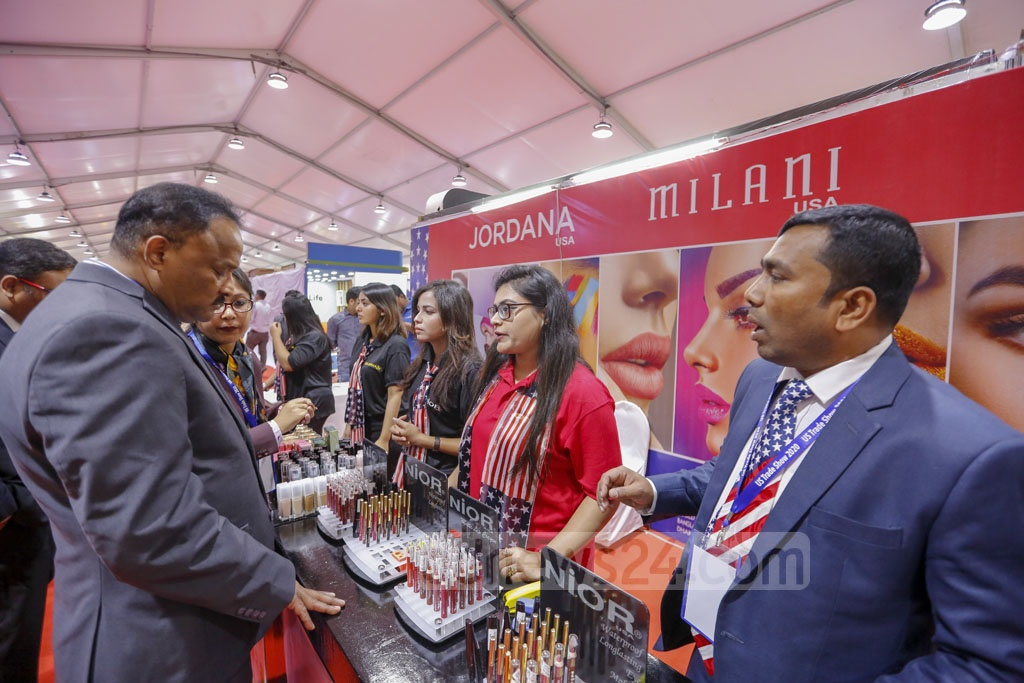 Guests visit stalls after the inauguration of US Trade Show 2020 at the Pan Pacific Sonargaon Hotel in Dhaka on Thursday. Photo: Mahmud Zaman Ovi