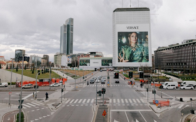 Piazza Gae Aulenti, in a stylish business district in Milan, is uncharacteristically quiet due to concern about the coronavirus across Italy, where whole towns have been locked down, Feb 25, 2020.The New York Times
