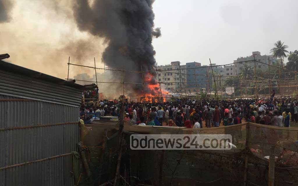 Hundreds of shanties were destroyed after a fire engulfed the western part of the Jheelpar slum in Mirpur's Rupnagar residential area on Wednesday.