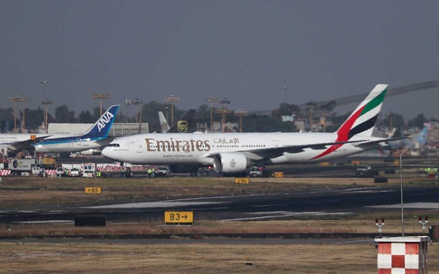 An Emirates Airline Boeing 777-200LR lands at Mexico City International Airport during its first route from Dubai via Barcelona to Mexico City, Mexico, Dec 9, 2019. REUTERS