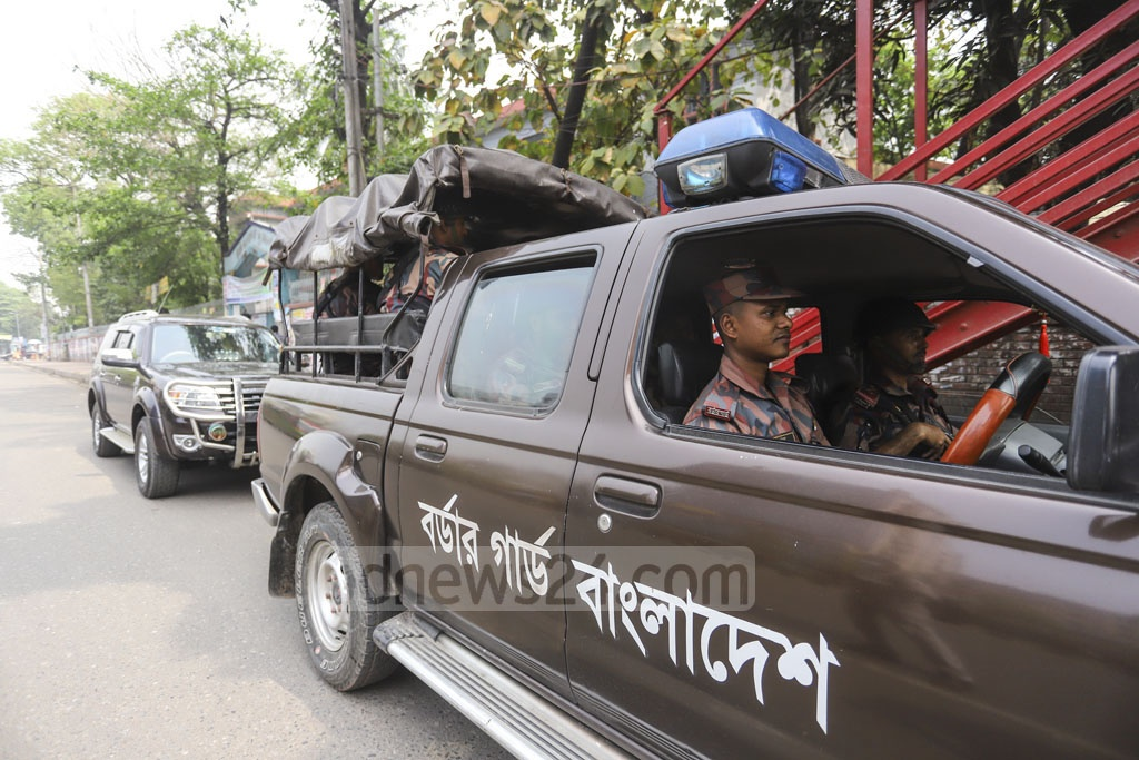 BGB personnel patrol the streets in Dhaka's Kolabagan during the Dhaka-10 by-election on Saturday.