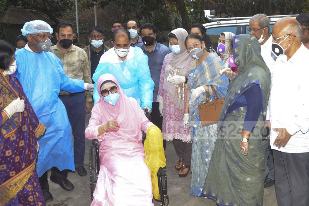 BNP Chairperson Khaleda Zia returned to her Gulshan home after being released from BSMMU on Wednesday.