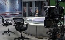 Ravish Kumar, managing editor of NDTV's Hindi news channel, anchoring an evening newscast at the studio's headquarters in New Delhi on Feb. 21, 2020. India's government has pressured advertisers and even shut down channels to shape the information that 1.3 billion Indians receive, part of a wider assault on dissent. (Saumya Khandelwal/The New York Times)