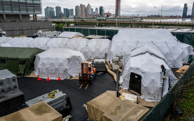 A temporary morgue set up outside the office of the chief medical examiner in New York on Apr 4, 2020. The New York Times