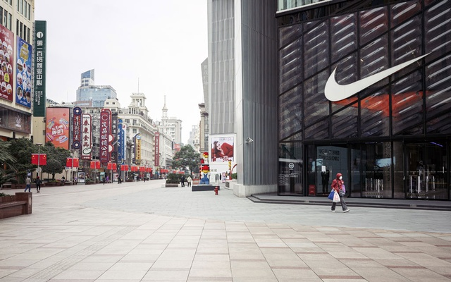 A street in central Shanghai on Feb 8, 2020. Economists are increasingly recommending that the Chinese government hand out vouchers to stimulate consumption. The New York Times