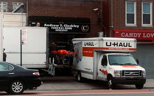 NY funeral home's license suspended for piling bodies in trucks