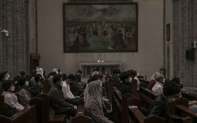 Mass at Myeongdong Church in Seoul, South Korea, April 30, 2020. The New York Times
