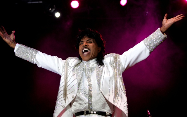 FILE PHOTO: Entertainer Little Richard performs at the Crossroad festival in Gijon, northern Spain, July 23, 2005. Reuters