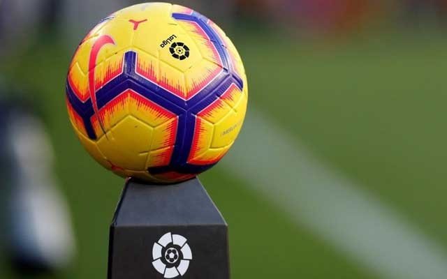 FC Barcelona v Real Betis - Camp Nou, Barcelona, Spain - November 11, 2018 The match ball on display before the match. Reuters