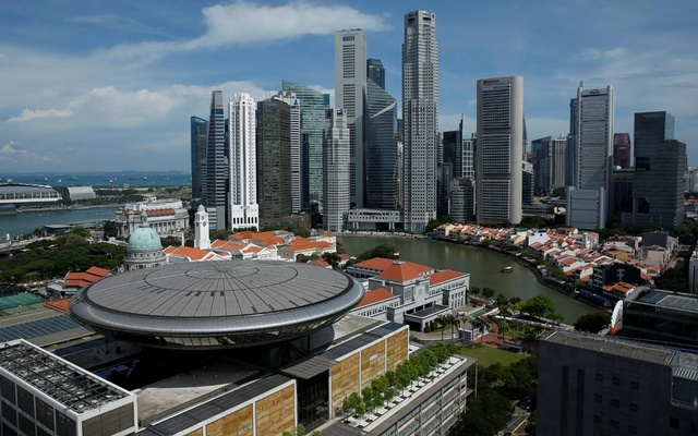 A view of the Supreme Court building against the backdrop of the skyline of Singapore's central business district. REUTERS