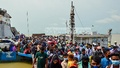 Travellers swarm the Shimulia jetty in Munshiganj on Thursday as they seek to return to work in Dhaka at the end of the Eid-ul-Fitr holiday after the government decided against extending the nationwide shutdown over the coronavirus beyond May 30.