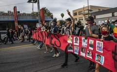 Protesters demonstrate against the death of George Floyd in Los Angeles, June 1, 2020. The New York Times