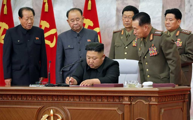 North Korean leader Kim Jong Un presides over a meeting of the Workers' Party of Korea (WPK) Central Military Commission in this image released by North Korea's Korean Central News Agency (KCNA) on May 24, 2020. REUTERS
