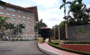 Big hotels like Grand Sultan in Moulvibazar are waiting for foreign guests.