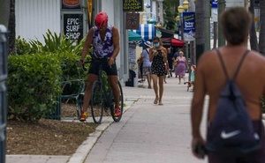 Biking, shopping and strolling in downtown Delray Beach, Fla, Jun 17, 2020. The New York Times