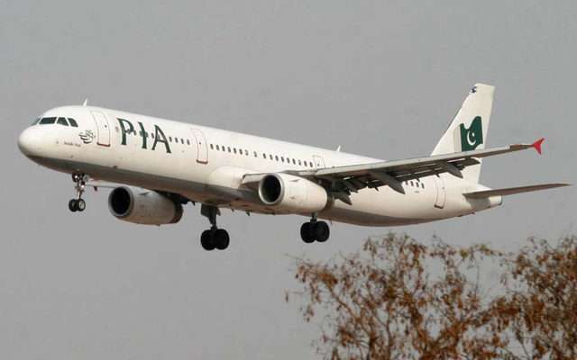 A Pakistan International Airlines (PIA) plane prepares to land at Islamabad airport in Islamabad Feb 24, 2007. REUTERS/FILE