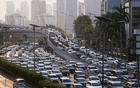 FILE PHOTO: A general view of a traffic jam during large-scale social restrictions amid the coronavirus disease (COVID-19) outbreak in Jakarta, Indonesia May 19, 2020. REUTERS/Ajeng Dinar Ulfiana/File Photo