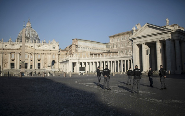 Police officers at St Peter's Square at the Vatican, March 19, 2020. The New York Times