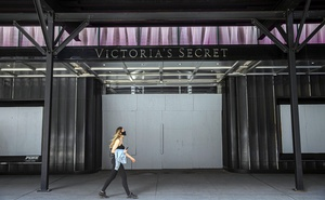 Victoria's Secret's flagship store in midtown Manhattan on July 29, 2020. The store has remained closed for months, and its owners have stopped paying rent. (Hiroko Masuike/The New York Times)