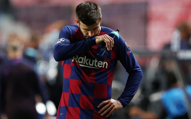 Barcelona's Gerard Pique looks dejected after the match, as play resumes behind closed doors following the outbreak of the coronavirus disease (COVID-19). Football - Champions League - Quarter Final - FC Barcelona v Bayern Munich - Estadio da Luz, Lisbon, Portugal - August 14, 2020. REUTERS/Rafael Marchante/Pool