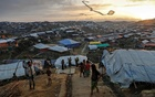 FILE PHOTO: Rohingya refugee children fly improvised kites at the Kutupalong refugee camp near Cox's Bazar, Bangladesh December 10, 2017. REUTERS/Damir Sagolj/File Photo