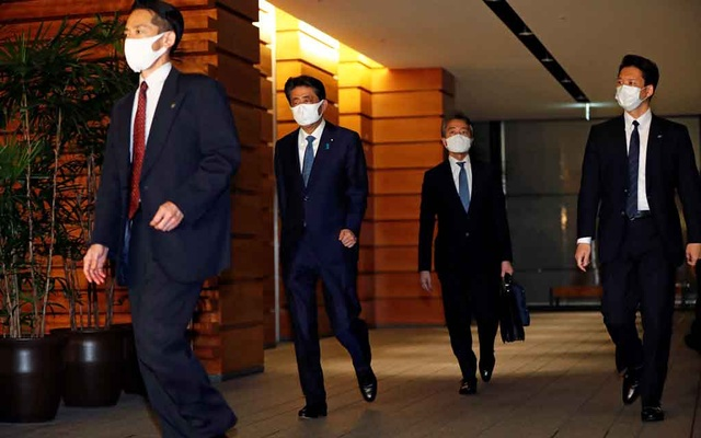 Japan's Prime Minister Shinzo Abe leaves his official residence after he announced his resignation in Tokyo, Japan Aug 28, 2020. REUTERS