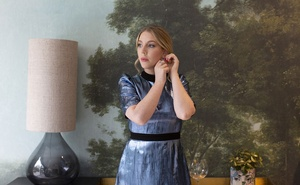 """Canadian comedian Katherine Ryan at her home in London, on Aug 27, 2020. """"It's an extension of my stage persona, but it's not my actual life,"""" Ryan said of her new Netflix show, """"The Duchess."""" Lauren Fleishman/The New York Times"""