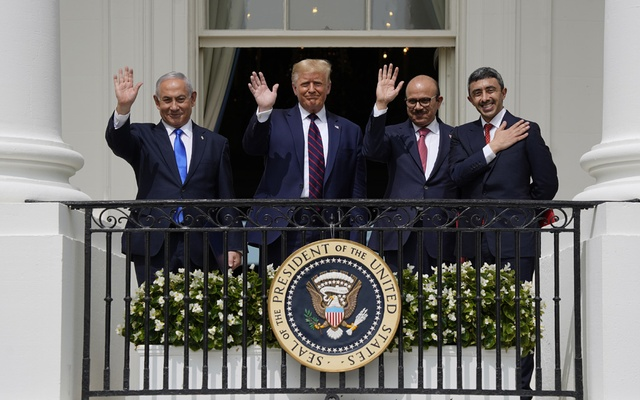 From left: Prime Minister Benjamin Netanyahu of Israel, President Donald Trump, Minister of Foreign Affairs Khalid Al Khalifa of Bahrain, and Minister of Foreign Affairs and International Cooperation Abdullah bin Zayed bin Sultan Al Nahyan of the United Arab Emirates, during a signing ceremony for the Abraham Accords, at the White House in Washington, Tuesday, Sept. 15, 2020. (Doug Mills/The New York Times)
