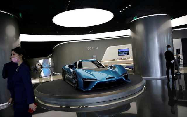 FILE PHOTO: A NIO EP9 electric car is displayed at its store in Beijing, China August 20, 2020. REUTERS
